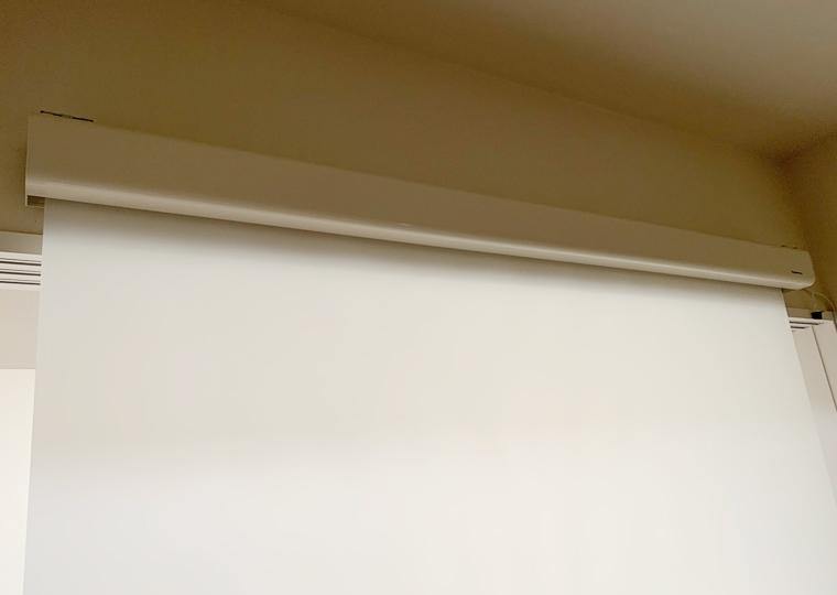 ケース付き(16:9) 80インチ リアプロジェクション透過スクリーン(乳白色)