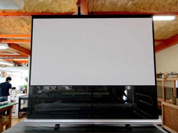黒生地部分が音を透過するモバイルタイプブラックサウンドスクリーン製作しました